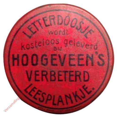 1910-1915. Letterdoosje [Groot, rood blik, plat; Groningen]