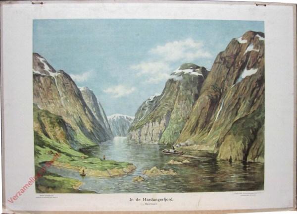12 - In de Hardangerfjord - Noorwegen