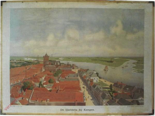 9 - De IJseldelta bij Kampen [zicht over hoofdstraat met riviersplitsing]