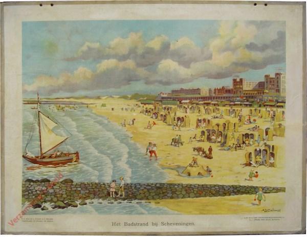 15 - Het badstrand bij Scheveningen [pier dichtbij, 1 boot op voorgrond]