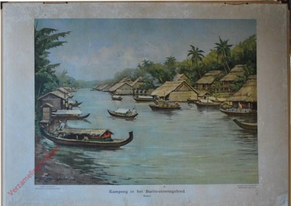 10 - Kampong in het Barito-stroomgebied. Borneo [bootje links met mannetje links]