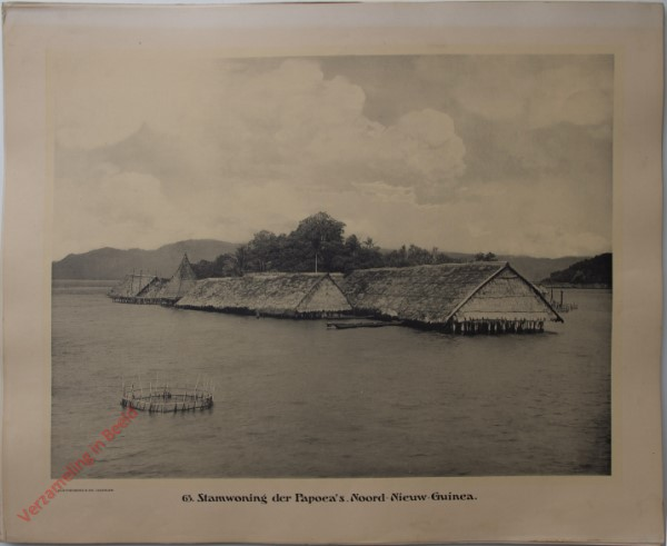 63 - Stamwoning der Paoea's. (Noord-Nieuw-Guinea)