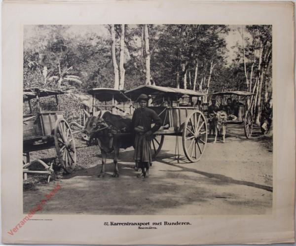 82 - Karrentransport met Rudneren. (Soemátra)