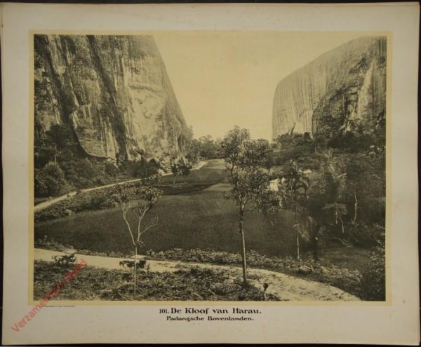 101 - De Kloof van Harau. (Midden-Sumatra)