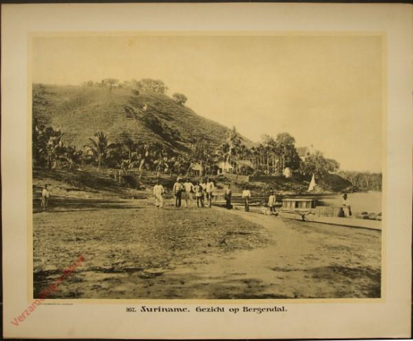 167 - Suriname. Gezicht op Bergendal