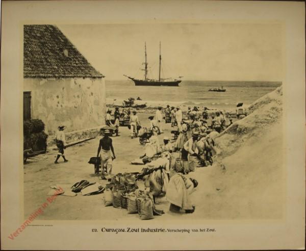 170 - Curaçao. Zoutindustrie. Verscheping van het zout